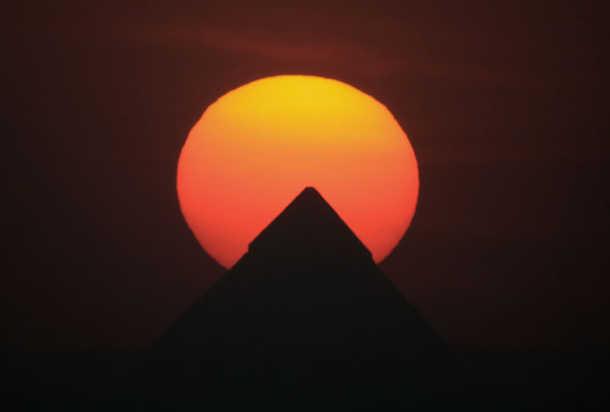 غروب اهرام مصر