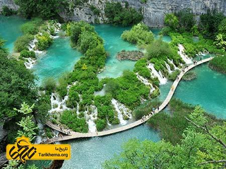 عکس زیباترین سواحل با آبهای فیروزهای,سواحل زیبا,پارک ملی دریاچههای پلیتویک Tarikhema.org