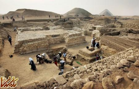 http://tarikhema.org/images/2011/05/081111-new-pyramid-egypt_big3.jpg