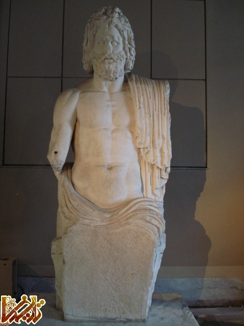 http://tarikhema.org/images/2011/09/Statue_of_Zeus_dsc02611-1.jpg