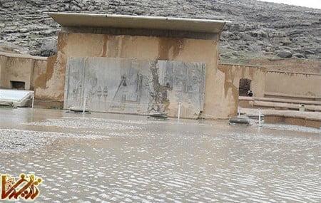 بحران آبگرفتگی تخت جمشید هنگام بارنگی