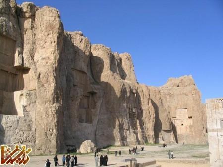 نگاهی به چند سنگ نبشه تاریخی در نزدیکی پارسه