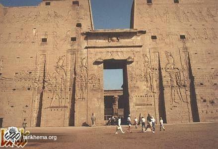 http://tarikhema.org/images/2011/10/horus1-1.jpg