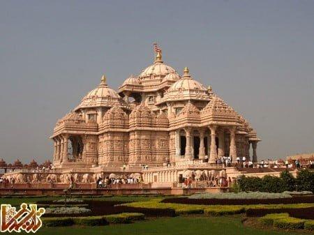 http://tarikhema.org/images/2012/01/New_Delhi_Temple.jpg