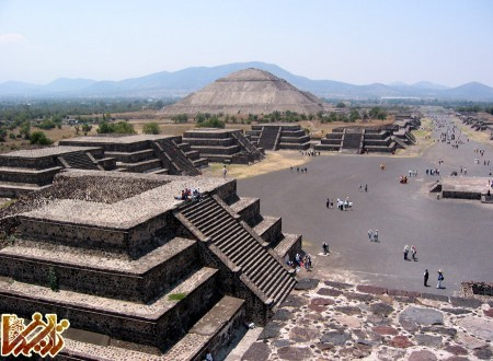 http://tarikhema.org/images/2012/04/Mexico_SunMoonPyramid.jpg