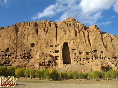 http://tarikhema.org/images/2012/11/Bodhai_Bamiyan.jpg