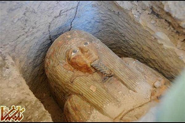 کشف مقبره کاهن اعظم مصر باستان به همراه کتیبههای هیروگلیف و صحنههایی از پیشکشی به خدایان + عکس