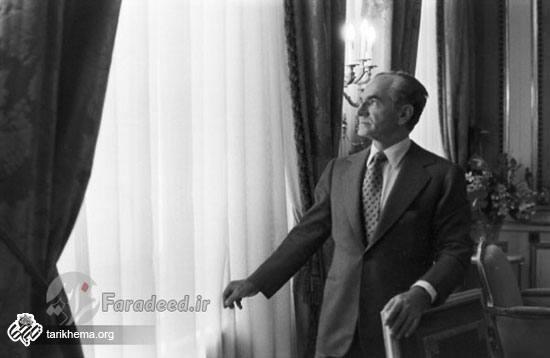 تصاویری از آخرین ماههای محمدرضاشاه در دفتر کارش
