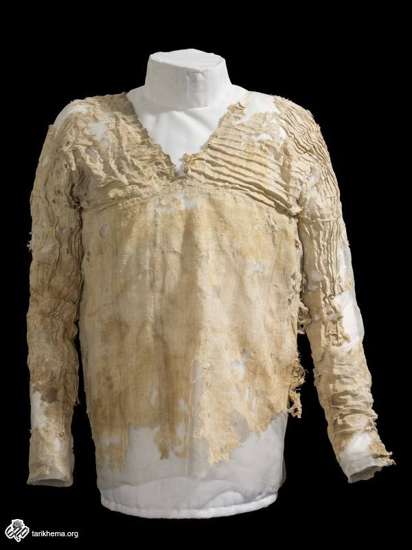The Tarkhan dress. Credit: Petrie Museum   لباس تارخان ؛ موزه باستان شناسی مصر