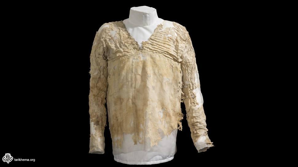The Tarkhan dress. Credit: Petrie Museum | لباس تارخان ؛ موزه باستان شناسی مصر
