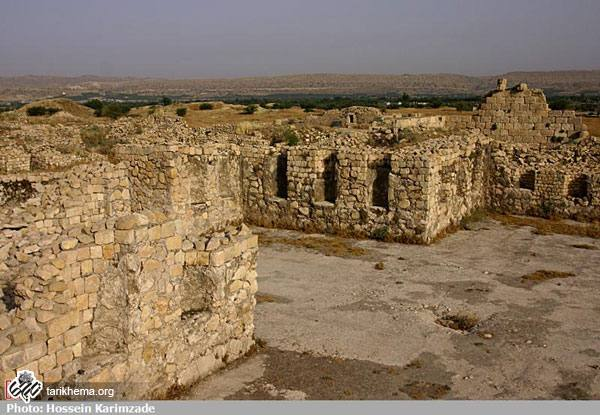 دانلود کتاب شهر تاریخی بیشاپور
