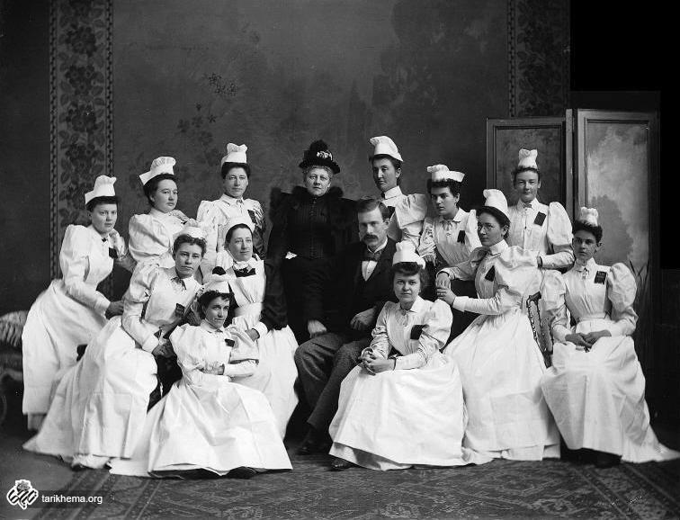گروهی از پرستاران در یکی از بیمارستانهای عمومی مونترال کانادا ۱۸۹۴