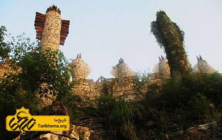 عکس جالبترین  قلعه های دنیا,زیباترین  قلعه های دنیا %d9%82%d9%84%d8%b9%d9%87-%d8%a7%db%8c-%d8%a7%d8%b2-%d8%b3%d9%86%da%af Tarikhema.org