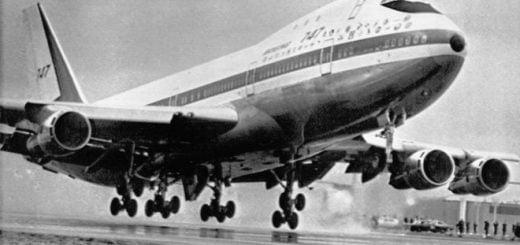 نخستین هواپیمای جت بوئینگ 737 هواپیمایی ملی ایران