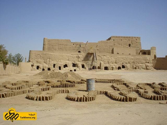 عکس Image result for قلعه بارجین در شهرستان میبد %db%8c%d8%b2%d8%af Tarikhema.org