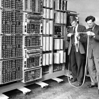 تاریخچهای مختصر از روند شکلگیری اینترنت