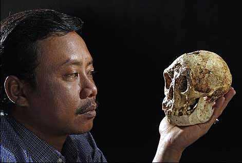 عکس Image result for Homo Floresiensis %d8%a7%d8%a8%d9%88-%da%af%d9%88%da%af%d9%88%e2%80%8c%d9%87%d8%a7%d8%8c-%da%a9%d9%88%da%86%d9%88%d9%84%d9%88%e2%80%8c%d9%87%d8%a7%db%8c-%d9%87%d9%88%d8%b4%d9%85%d9%86%d8%af Tarikhema.org
