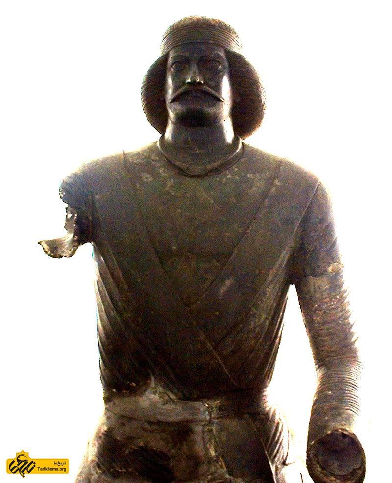 عکس تندیس یک فرد پارتی که گفته میشود شمایل سردار سورنا است. این مجسمه در ایذه پیدا شده و در موزه ملی ایران است. %d8%a7%d8%b1%d8%af-%d8%a7%d9%88%d9%84-%d8%a7%d8%b4%da%a9-%d8%b3%db%8c%d8%b2%d8%af%d9%87%d9%85 Tarikhema.org