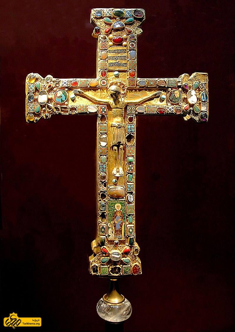 عکس صلیب ماتیلدا، این صلیب برای ماتیلدا، رئیس صومعهٔ اسن (۹۷۳–۱۰۱۱) ساخته شد. این شمایل مسیح احتمالاً در کلن یا اسن ساخته شدهاست. %d9%86%da%af%d8%a7%d9%87%db%8c-%d8%a8%d9%87-%db%8c%d9%88%d8%b1%d8%b4-%d8%a8%d8%b1%d8%a8%d8%b1%d9%87%d8%a7-%d8%a8%d9%87-%d8%a7%d9%85%d9%be%d8%b1%d8%a7%d8%aa%d9%88%d8%b1%db%8c-%d8%b1%d9%85-%d9%88-%d8%a7 Tarikhema.org