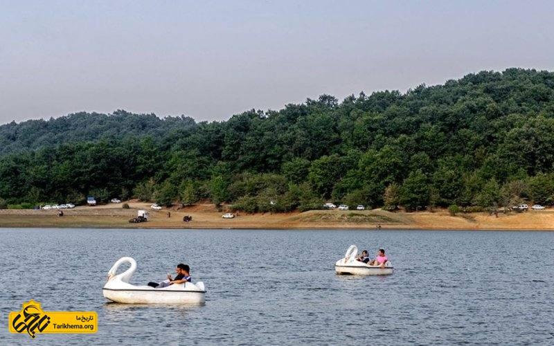 قایق سواری در دریاچه سقالکسار گیلان