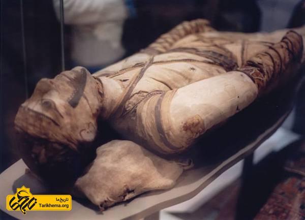 عکس ۱۰ حقیقت شگفت انگیز درباره مومیایی های مصر باستان %d8%a2%d8%b1%d8%a7%d8%b3%d8%aa%d9%86-%d9%85%d9%88%d9%85%db%8c%d8%a7%db%8c%db%8c-%d9%87%d8%a7-%d8%af%d8%b1-%d9%85%d8%b5%d8%b1 Tarikhema.org