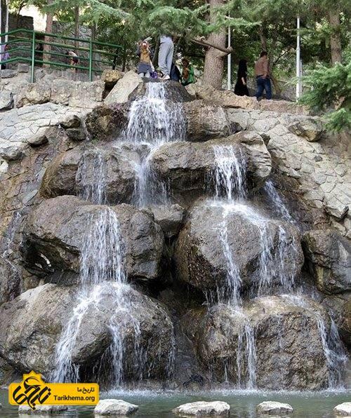 آبشار و آبنماهای سنگی