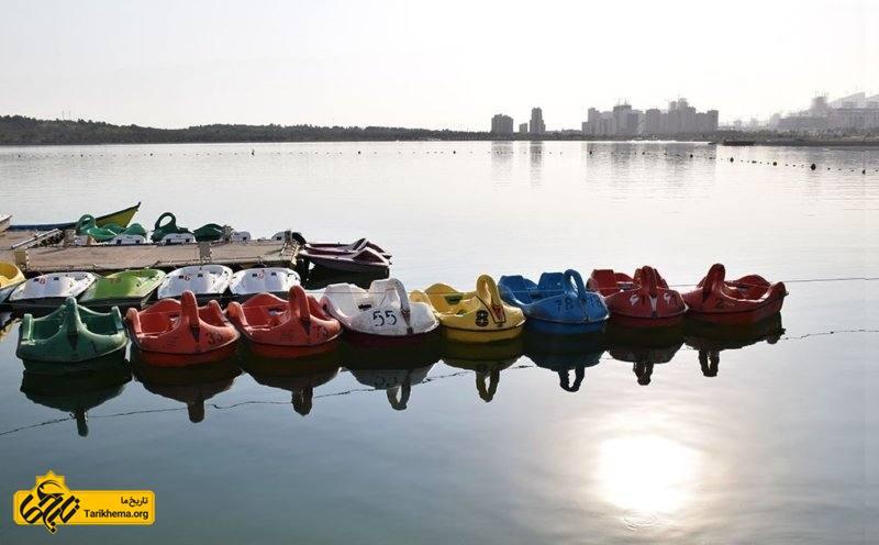 قایق سواری در چیتگر