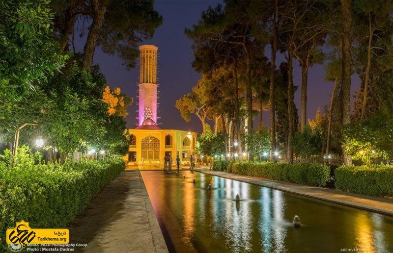 باغ دولتآباد چهار منار از باغهای قدیمی شهر یزد در کشور ایران میباشد.