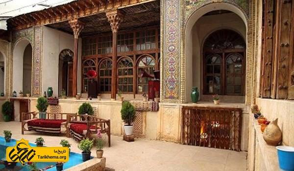 عکس خانه توکلی شیراز، این بنا با تزئینات آجرکاری، کاشیکاری هفترنگ، تزئینات چوبی در شیرسرها، درها و درکها و سقفها به دوره قاجار تعلق دارد که دارای یک حیاط مرکزی بوده و در چهار طرف آن عمارت وجود دارد. این خانه تاریخی در سال 79 در فهرست آثار ملی ایران به ثبت رسیده است. %d8%ae%d8%a7%d9%86%d9%87-%d9%87%d8%a7%db%8c-%d9%82%d8%af%db%8c%d9%85%db%8c-%d8%a7%db%8c%d8%b1%d8%a7%d9%86 Tarikhema.org