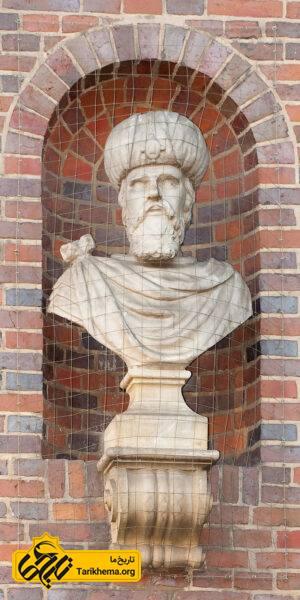 مجسمه ی کوروش در هامبورگ آلمان