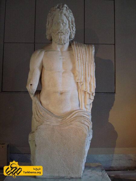 تندیس زئوس (موزه باستانشناسی استانبول)