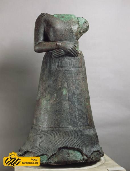 تندیس ناپیرآسو یکی از آثار به جا مانده از تمدن ایلام است. ملکه ناپیرآسو همسر اونتاش ناپیریشا پادشاه عیلام میباشد.