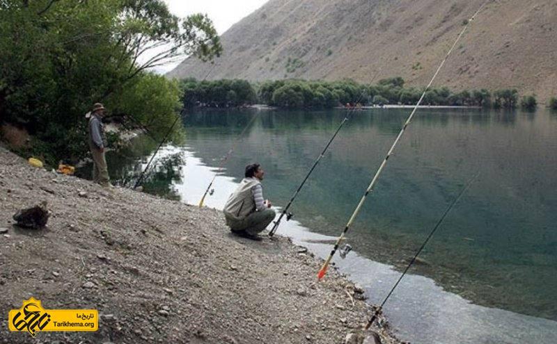 ماهیگیری در دریاچه