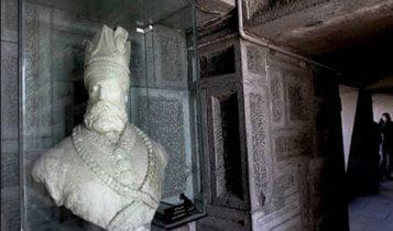 موزه آرامگاه نادرشاه مشهد