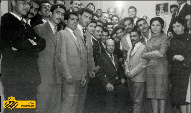 خلیل ملکی در جمع برخی اعضای نیروی سوم در دفتر این جمعیت
