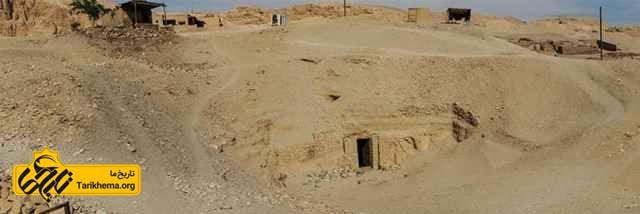 ورودی مقبره ازیریس