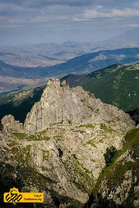 قلعه بابک، آشنایی با یک جاذبه تاریخی در دل کوه!