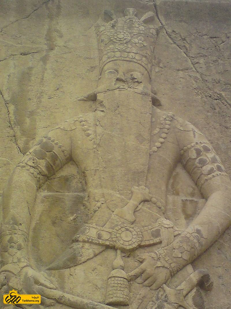 چهره فتحعلی شاه در کتیبه فتحعلی شاه در شهرری (جنوب تهران)