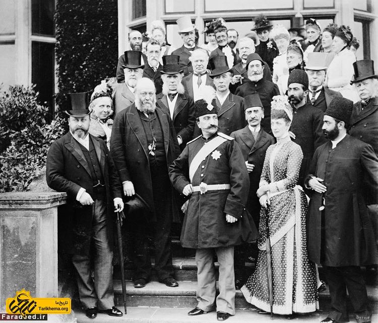 سومین سفر ناصرالدین شاه قاجار به انگلستان - ادوارد هفتم (اولین نفر از چپ) - ناصرالدین شاه (وسط) - الکساندرای دانمارک (دومین نفر از راست) - ۱۸۸۹
