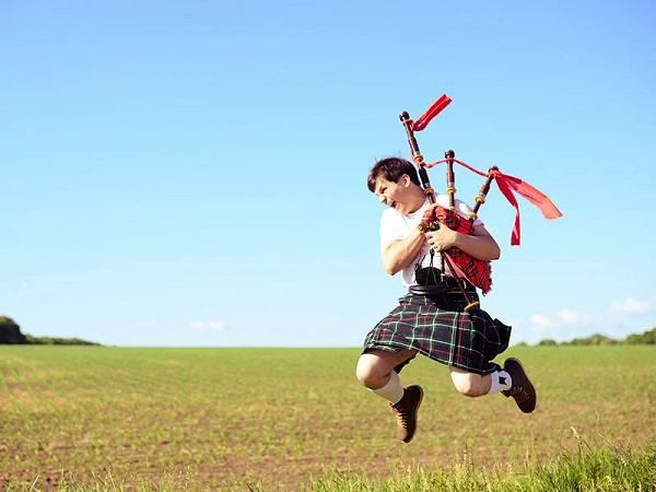 مردان دامن پوش اسکاتلند ؛ معرفی و تاریخچه دامن اسکاتلندی