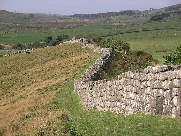 کشف تکهای از یک دیوار باستانی در انگلیس