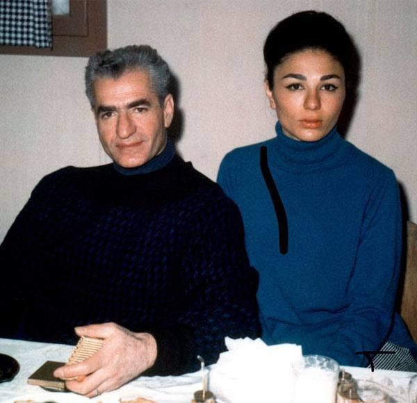 عکس دیده نشده از فرح دیبا همسرش محمدرضا شاه پهلوی