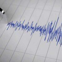 سازه های ترک خورده کرمان فراموش شده اند/ زلزله زیر پوست شهر