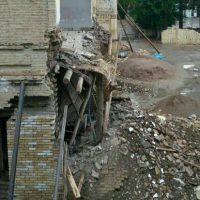 دیوار ساختمان تاریخی «باشگاه افسران» به دلیل رعدوبرق فروریخت
