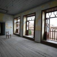 بی مهری به خانه کودکی پروفسور سمیعی/ مرمت بنا نیازمند حمایت است