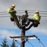 شرایط سختی بر صنعت توزیع برق کشور حاکم است/تشکیل کمیته کاهش تلفات