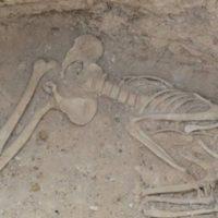 کشف ۹۰ گور دوره اشکانی در «لیارسنگ بن» املش/ حفاریها ادامه دارد