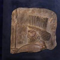 مشهد، اولین مقصد نمایش نقشبرجسته سرباز هخامنشی