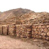 اهدای یک قطعه کتیبه میخی اورارتویی به ادارهکل میراثفرهنگی آذربایجان غربی