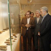 بازدید مونسان از نمایشگاه خودآفریدهها در موزه ملی ایران